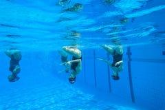 Gesynchroniseerd Team Swimming Girls Royalty-vrije Stock Foto