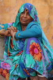 Getatoeeerde Indische dame. Rajasthan, India. Stock Afbeelding