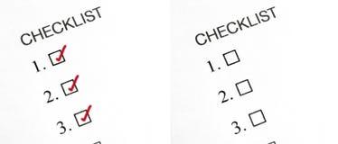 Getickte und unticked Checkliste stockbilder