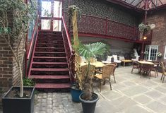 Getliffe Galleries courtyard - perfect place for tea stock photo