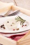 Getost med peppar och rosmarin Royaltyfri Fotografi