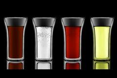 Getränk stellte auf Schwarzes ein stockbild