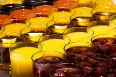 Getränke in den Gläsern Lizenzfreie Stockfotos