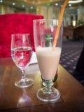 Getränke in der Bar lizenzfreies stockfoto