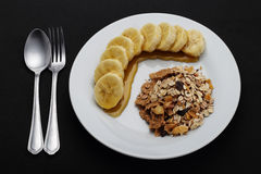 Getreide mit Banane überstieg mit Honig zur Gesundheit stockfotografie