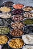 Getreidekorn-Bohnen in Delhi Indien Stockbilder