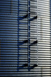 Getreidespeicher auf Bauernhof für die Landwirtschaft und Lagerung des Weizens Stockfotos