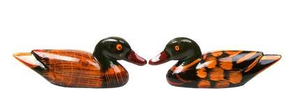 Getrennt zwei Enten vertraulich Stockfotos