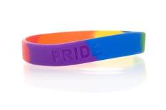 Getrennte Nachrichten: Regenbogen Wristband Stockbild