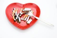 Getrennte Platte mit Zigarette Lizenzfreie Stockfotografie