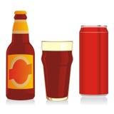 Getrennte rote Bierflasche, Glas und kann Stockbild