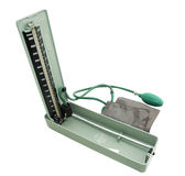 Getrennter Sphygmomanometer mit Ausschnittspfad lizenzfreie stockbilder