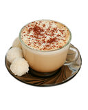 Getrenntes Cup Capuccino- und Kokosnusssüßigkeiten Stockfoto