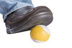 Getreten auf Ball Stockfoto