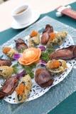 Getrocknete Auster mit Lachse Rolle Stockfotos