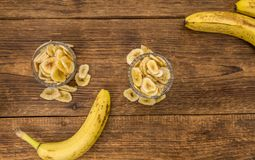 Getrocknete Banane bricht Nahaufnahmeschuß, selektiven Fokus ab Stockfotografie