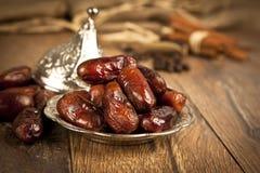 Getrocknete Dattelpalmefrüchte oder kurma, (ramazan) Lebensmittel Ramadans Stockfotografie