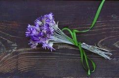 Getrockneter Blumenblumenstrauß Stockfotos