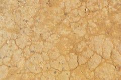 Getrockneter gebrochener Boden in der Dürrenjahreszeit Stockfotos