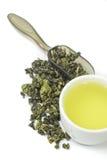 Getrockneter Tee lokalisierter weißer Hintergrund Lizenzfreie Stockfotografie