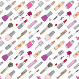 Getrokken de hand maakt omhoog, schoonheidsmiddelen en poetst het naadloze patroon van schoonheidspunten met haarborstels, lippen Royalty-vrije Stock Foto's