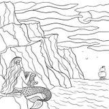 Getrokken de schets dromerige meermin van de lijnkunst hand op de steen en zeilboot in het overzees Kleurende overzichtsillustrat royalty-vrije illustratie
