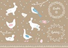 Getrokken reeks van witte hand de elementen van Pasen en van de lente Landbouwbedrijfdieren, bloemen en decoratieve grenzen Uitst Stock Fotografie