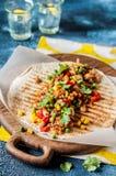 Getrokken Varkensvlees en Plantaardige Tortillaomslagen royalty-vrije stock foto
