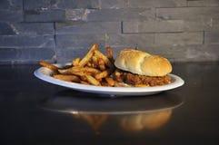 Getrokken Varkensvleeshamburger Royalty-vrije Stock Afbeeldingen