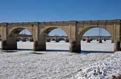 Gettare un ponte sul ghiaccio Immagine Stock