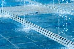 Getti di acqua della fontana della via Fotografia di formato orizzontale Fotografia Stock Libera da Diritti