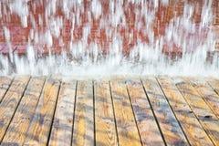 Getti di acqua di una fontana moderna - distretto orientale, Lisbona, Portuga Fotografie Stock