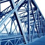 Getti un ponte sui fasci di sostegno Immagini Stock Libere da Diritti