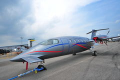 Getto aereo del turbopropulsore di affari di Piaggio P180 Avanti II su esposizione a Singapore Airshow Immagini Stock