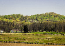 Gettysburg-Landschaft mit weniger runder Spitze im Hintergrund Lizenzfreies Stockbild