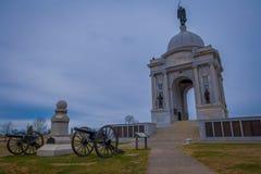GETTYSBURG USA - APRIL, 18, 2018: Den utomhus- sikten av den minnes- monumentet på Gettysburg den nationella militären parkerar Fotografering för Bildbyråer