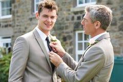 Getuige en Bruidegom At Wedding Royalty-vrije Stock Afbeeldingen