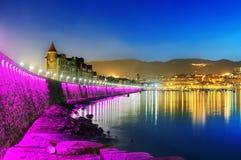Getxo nabrzeże iluminujący przy nocą. Baskijski kraj Fotografia Stock
