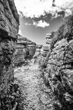 Geul in de rots wordt gegraven die terug naar Wereldoorlog I dateren die Royalty-vrije Stock Foto