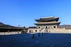 Geunjeongjeon Hall на дворце gyeongbokgung в Сеуле, Корее стоковые фотографии rf