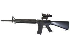Gevär M16 med optisk sikt Fotografering för Bildbyråer