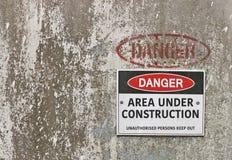 Gevaar, Gebieds in aanbouw waarschuwingsbord stock afbeeldingen