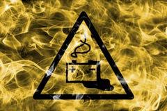 Gevaar van het laden van het teken van de de waarschuwingsrook van het batterijengevaar Triangu Stock Afbeelding
