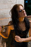 Gevaarlijk Meisje Goth Stock Foto's