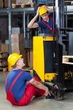 Gevaarlijk ongeval in een fabriek Stock Afbeeldingen