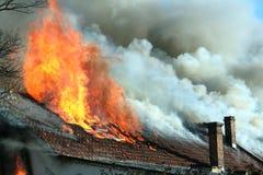 Gevaarlijke brand Stock Foto's