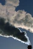 Gevaarlijke giftige rookwolken stock foto's