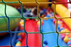 Gevaarlijke speelplaats - gezondheid en veiligheid bij spel Stock Foto's
