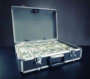 Gevalhoogtepunt van geld op grijze achtergrond royalty-vrije stock foto's