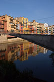 Gevallen DE l'Onyar in Girona, Catalonië, Spanje Stock Afbeelding